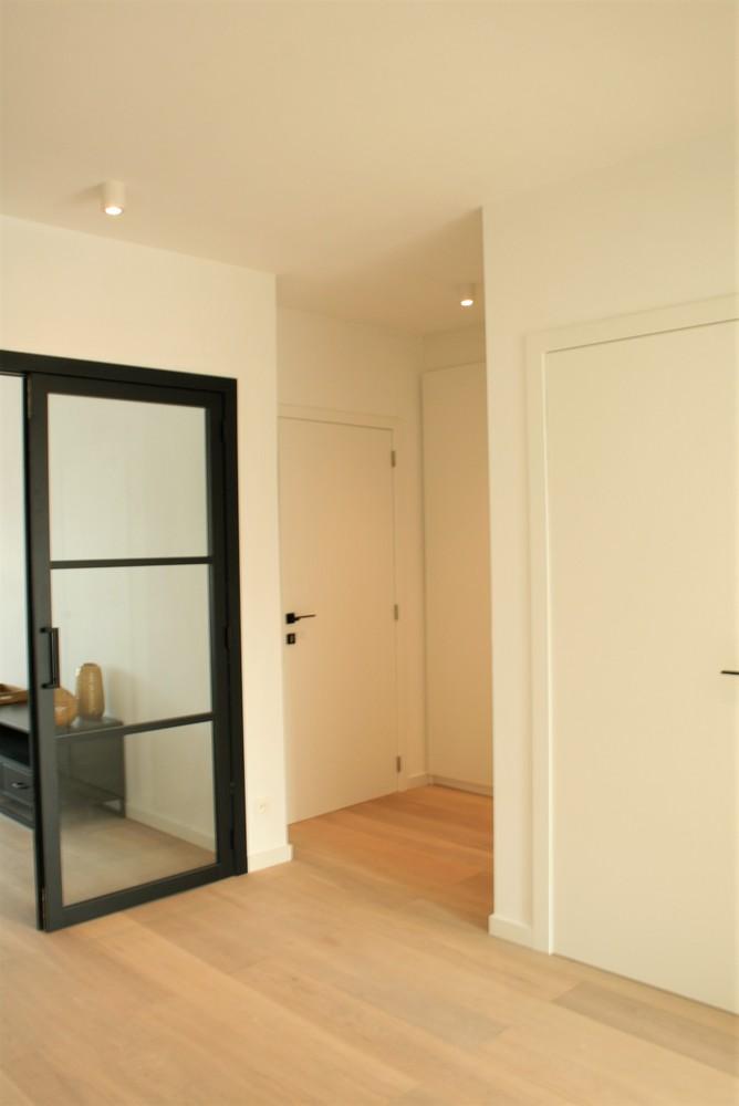 Prachtig gerenoveerd appartement met 2 slaapkamers op 99 m² afbeelding 6