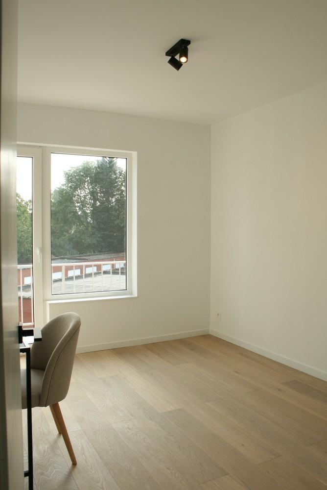 Prachtig gerenoveerd appartement met 2 slaapkamers op 99 m² afbeelding 8
