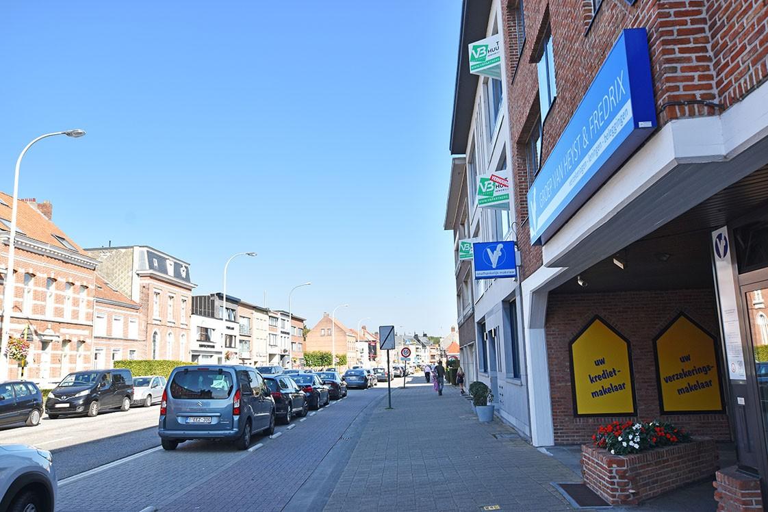 Zeer verzorgd appartement met twee slaapkamers op uiterst centrale locatie te Wijnegem! afbeelding 12
