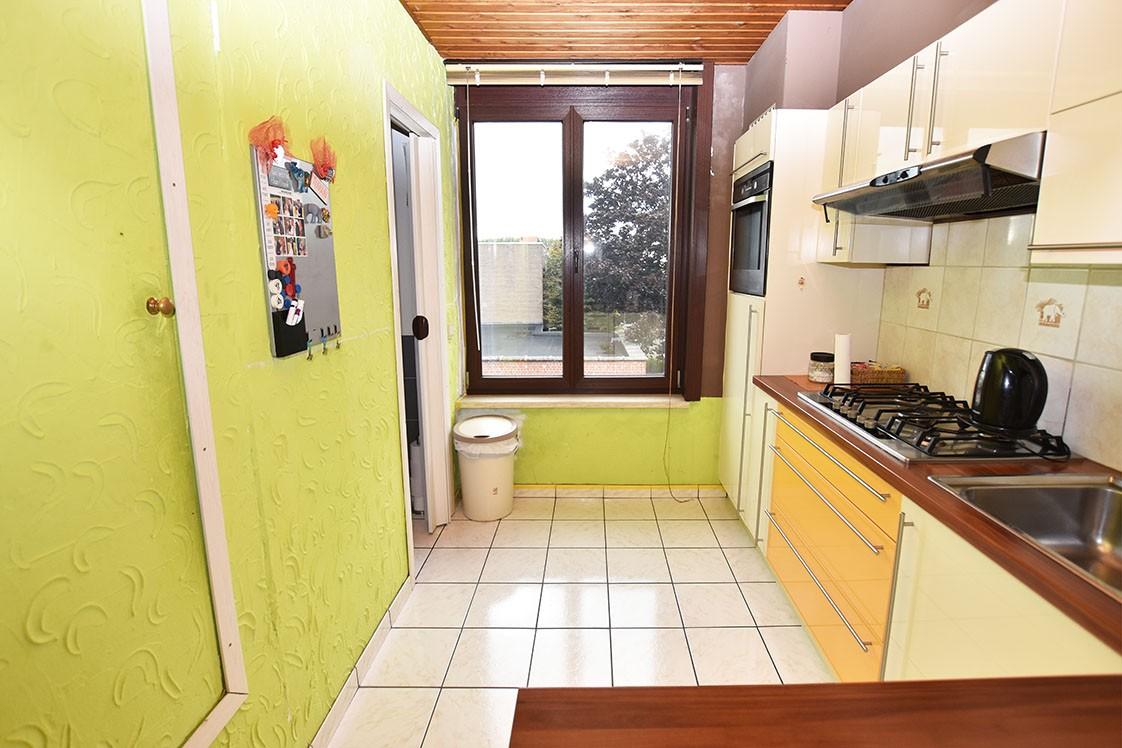 Deels te renoveren Confortawoning met twee slaapkamers en tuin te Deurne! afbeelding 3