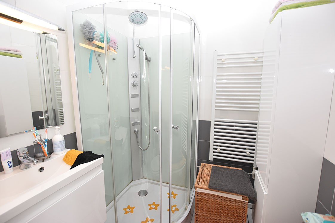 Deels te renoveren Confortawoning met twee slaapkamers en tuin te Deurne! afbeelding 7
