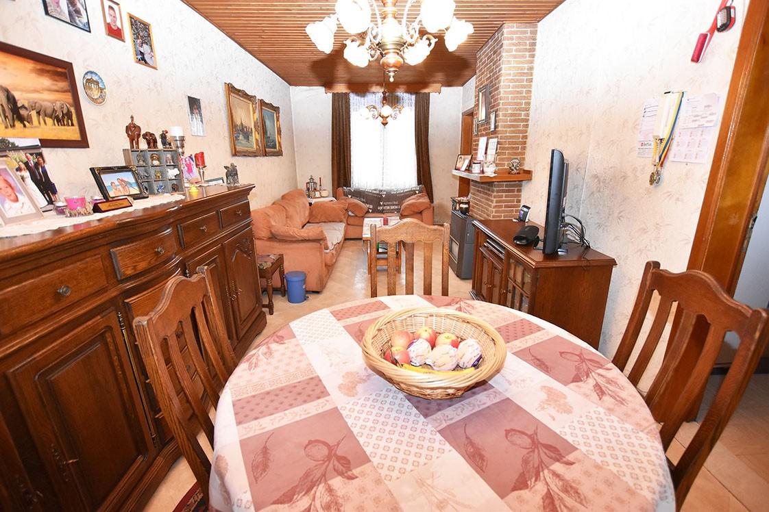 Deels te renoveren Confortawoning met twee slaapkamers en tuin te Deurne! afbeelding 2