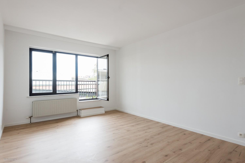 Volledig vernieuwd appartement (+/- 100 m²) met 2 slaapkamers en 2 terrassen te Deurne! afbeelding 8