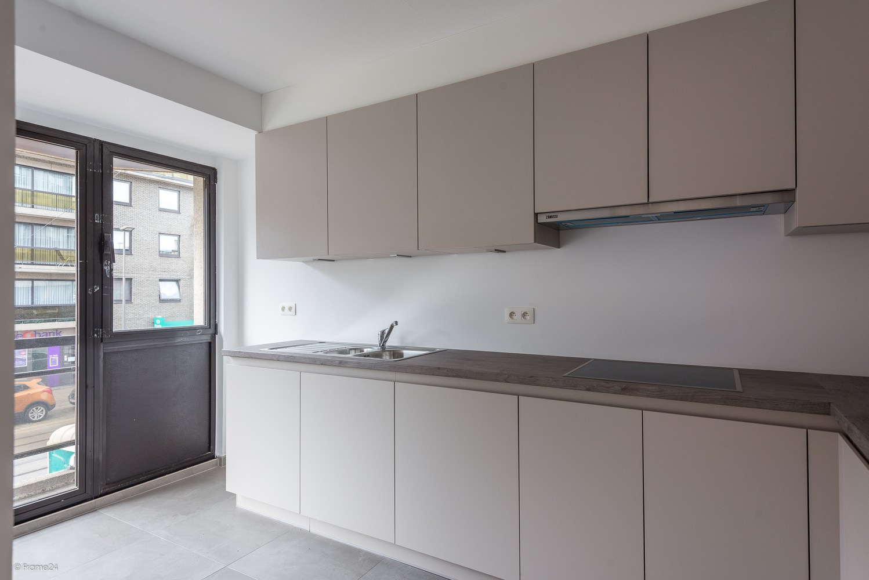 Volledig vernieuwd appartement (+/- 100 m²) met 2 slaapkamers en 2 terrassen te Deurne! afbeelding 3