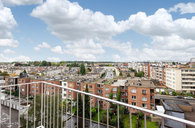 Verzorgd appartement met twee slaapkamers, terras en zicht op het Rivierenhof! afbeelding 15