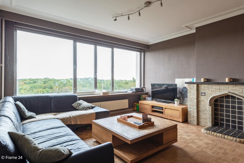 Verzorgd appartement met twee slaapkamers, terras en zicht op het Rivierenhof! afbeelding 1