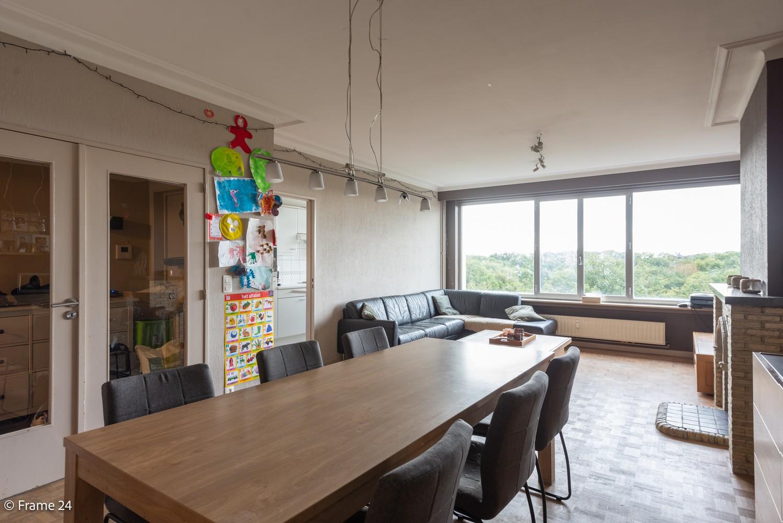 Verzorgd appartement met twee slaapkamers, terras en zicht op het Rivierenhof! afbeelding 5