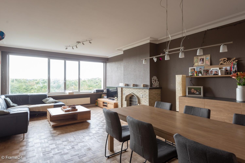 Verzorgd appartement met twee slaapkamers, terras en zicht op het Rivierenhof! afbeelding 4