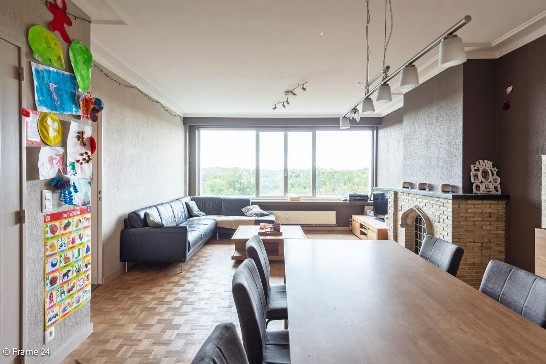 Verzorgd appartement met twee slaapkamers, terras en zicht op het Rivierenhof! afbeelding 3