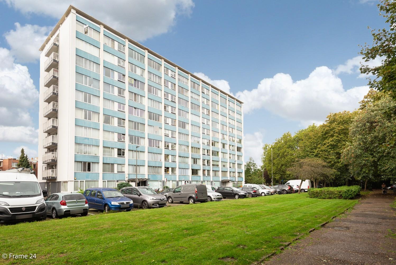 Verzorgd appartement met twee slaapkamers, terras en zicht op het Rivierenhof! afbeelding 16