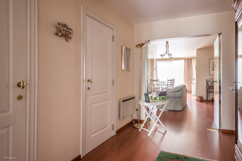 Verzorgd appartement met twee slaapkamers en terras te Wijnegem! afbeelding 2