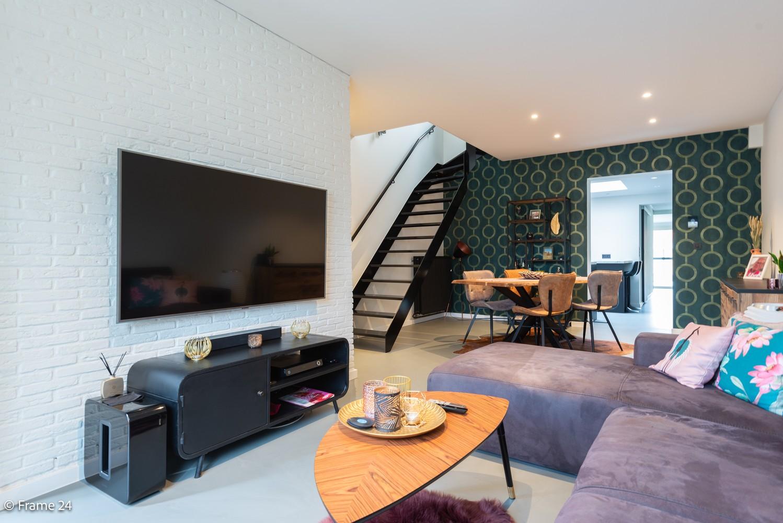 Prachtig gerenoveerde woning met 3 slaapkamers op een rustige locatie te Ekeren! afbeelding 1