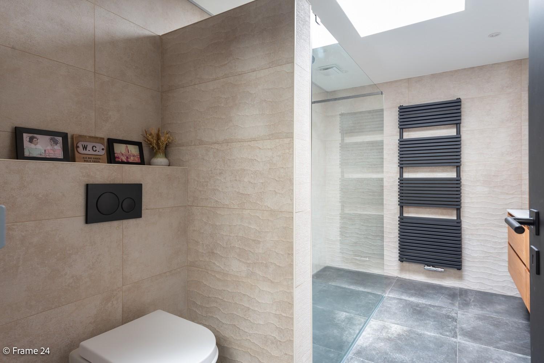 Prachtig gerenoveerde woning met 3 slaapkamers op een rustige locatie te Ekeren! afbeelding 12