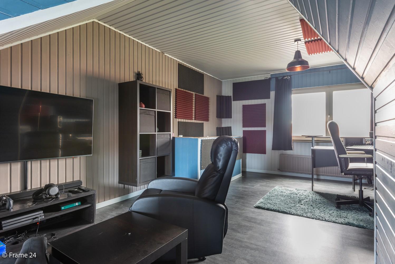 Prachtig gerenoveerde woning met 3 slaapkamers op een rustige locatie te Ekeren! afbeelding 21