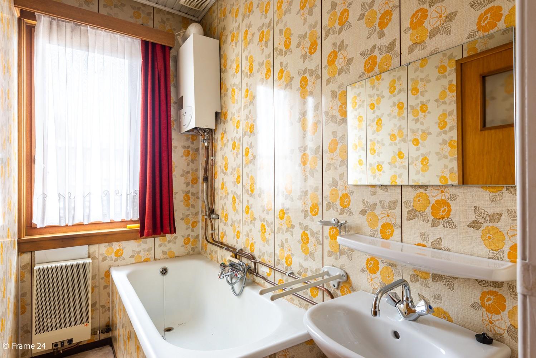 Te renoveren woning met 3 slaapkamers en tuin op een centrale locatie te Deurne! afbeelding 9