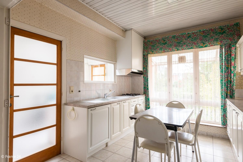 Te renoveren woning met 3 slaapkamers en tuin op een centrale locatie te Deurne! afbeelding 5