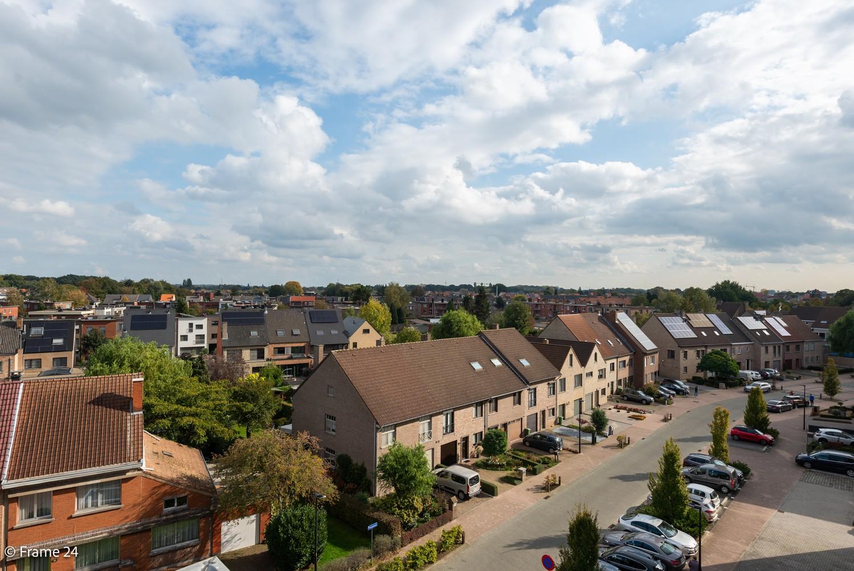 Ruim, verzorgd dakappartement inclusief grote garage (35m²) en berging in Borsbeek! afbeelding 20