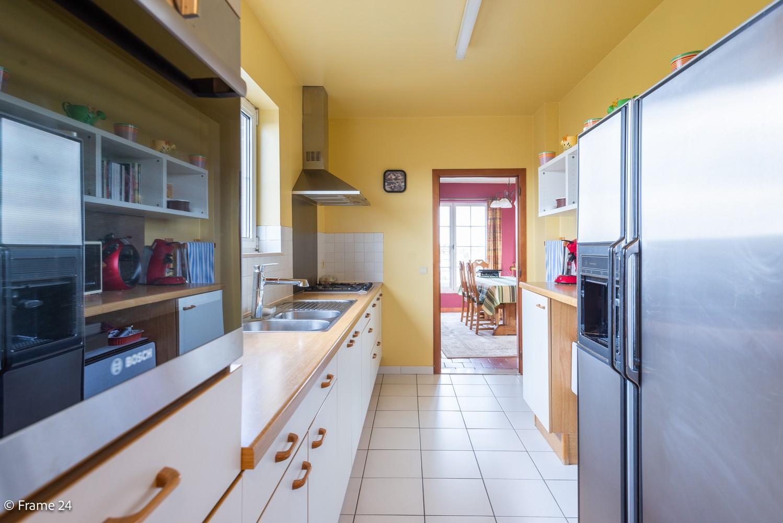 Ruim, verzorgd dakappartement inclusief grote garage (35m²) en berging in Borsbeek! afbeelding 9