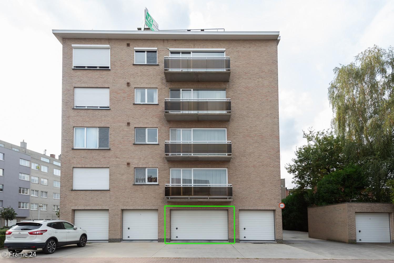 Ruim, verzorgd dakappartement inclusief grote garage (35m²) en berging in Borsbeek! afbeelding 2