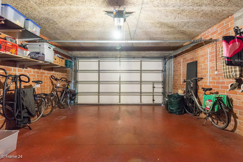Ruim, verzorgd dakappartement inclusief grote garage (35m²) en berging in Borsbeek! afbeelding 21