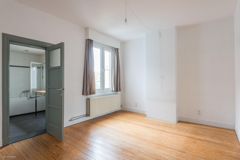 Charmante, op te frissen woning met vier slaapkamers op een centrale locatie te Merksem! afbeelding 13