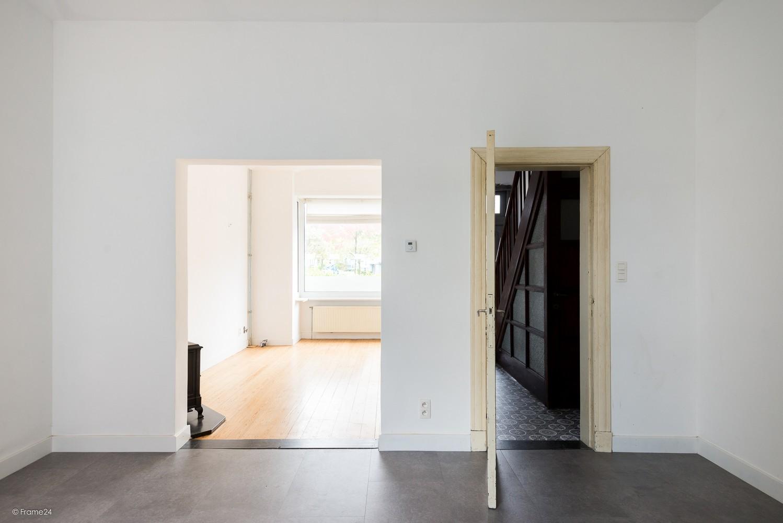 Charmante, op te frissen woning met vier slaapkamers op een centrale locatie te Merksem! afbeelding 9