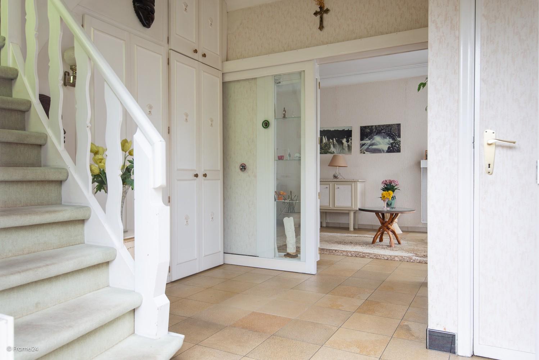 Te renoveren halfopen woning op een perceel van 576 m² te Ekeren! afbeelding 3