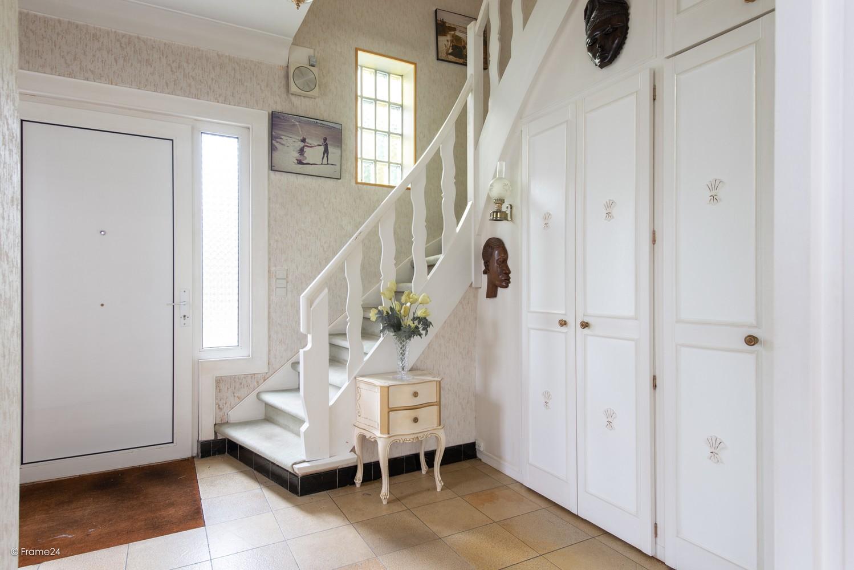 Te renoveren halfopen woning op een perceel van 576 m² te Ekeren! afbeelding 4