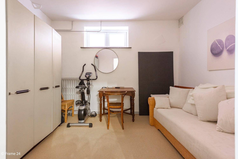 Riant gelijkvloersappartement (147 m²) met aangelegde tuin op centrale ligging te Kapellen! afbeelding 11