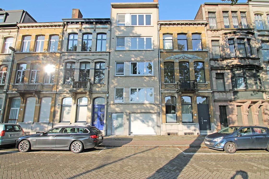 Garagebox in afgesloten binnengebied op uitstekende locatie te Antwerpen! afbeelding 2