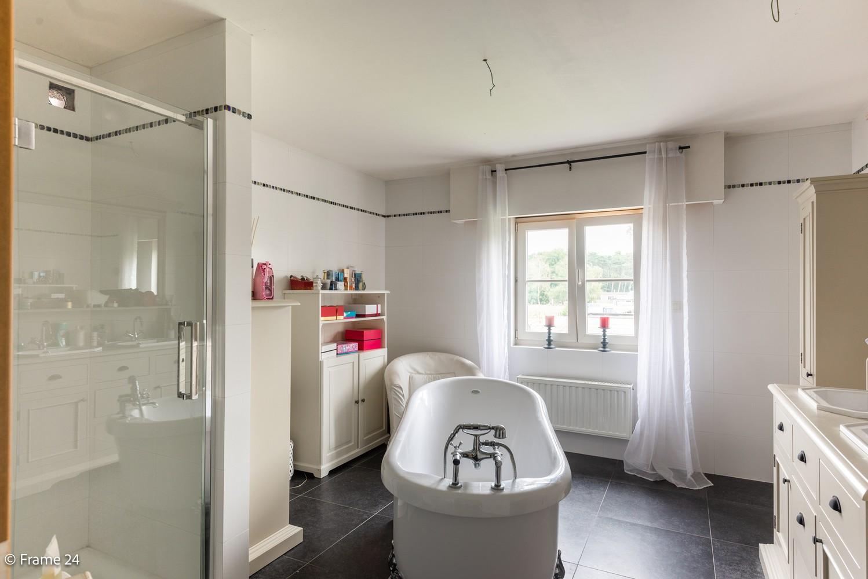 Riante pastorijwonining met praktijkruimte, 4 slpks en 2 bdk op groot perceel (1.378 m²) te Brecht! afbeelding 22