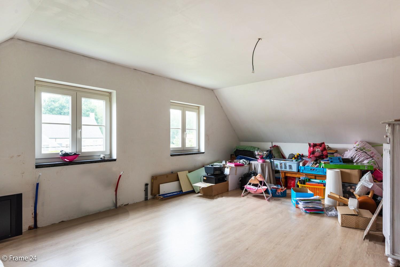 Riante pastorijwonining met praktijkruimte, 4 slpks en 2 bdk op groot perceel (1.378 m²) te Brecht! afbeelding 26