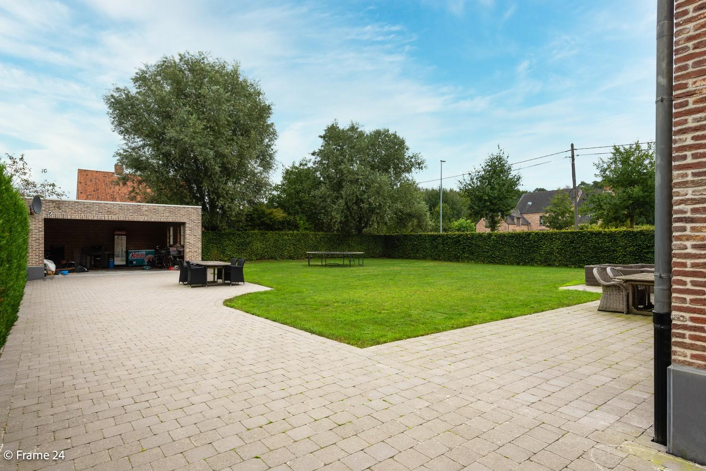 Riante pastorijwonining met praktijkruimte, 4 slpks en 2 bdk op groot perceel (1.378 m²) te Brecht! afbeelding 27