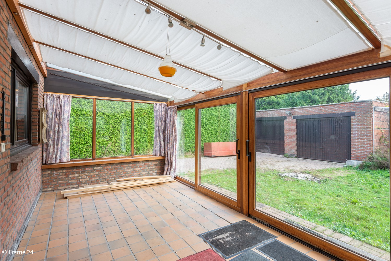 Zeer ruime, te renoveren woning met 5 slaapkamers en tuin te Ranst! afbeelding 10