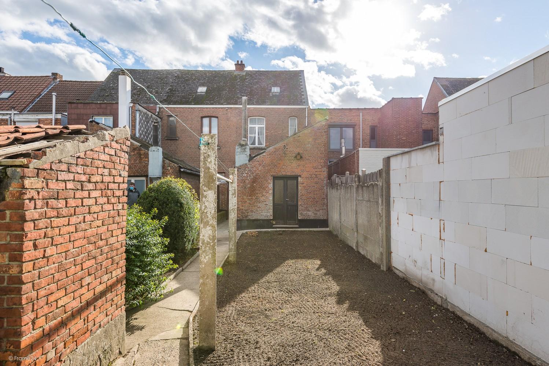 Volledig te renoveren, karaktervolle woning op een rustige locatie in Duffel! afbeelding 8
