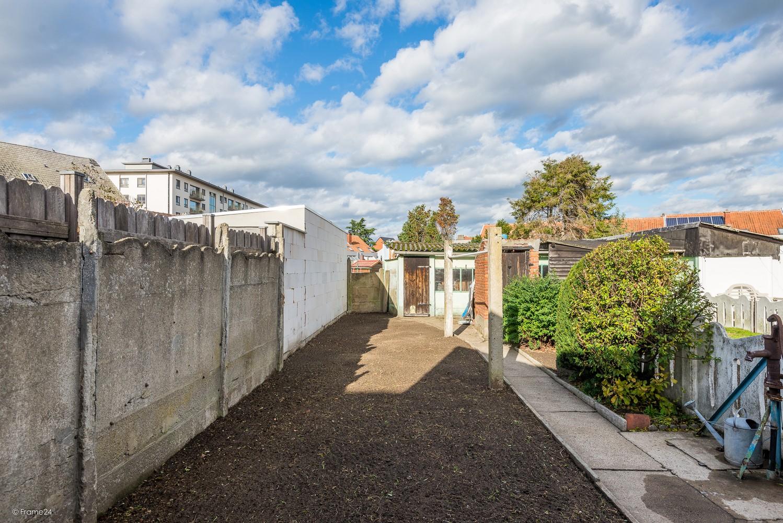 Volledig te renoveren, karaktervolle woning op een rustige locatie in Duffel! afbeelding 7