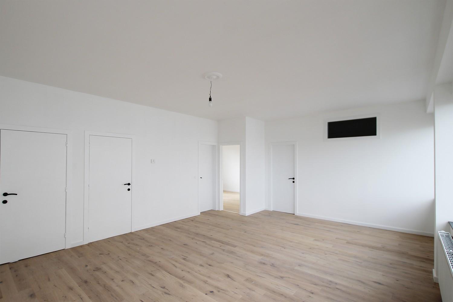 Gerenoveerd appartement (73 m²) met 2 slpks op centrale ligging te Borgerhout! afbeelding 1