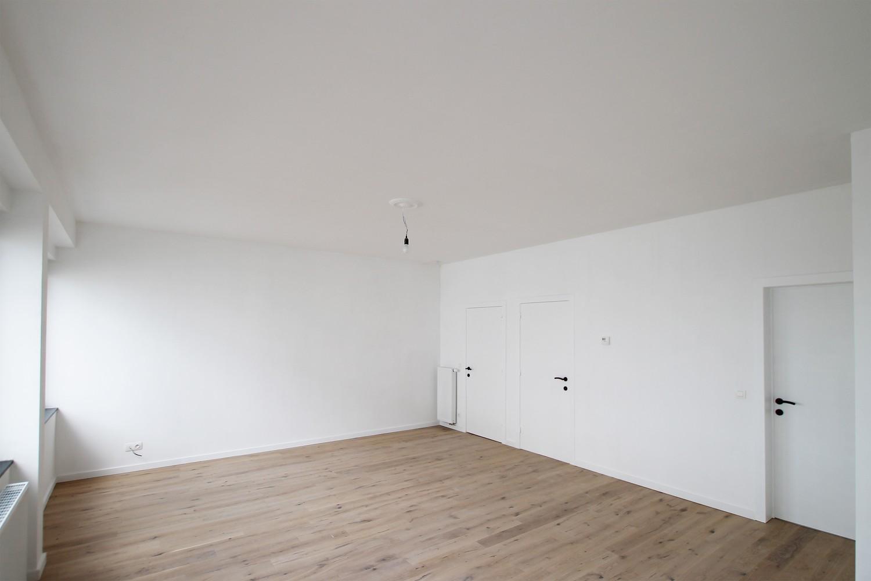 Gerenoveerd appartement (73 m²) met 2 slpks op centrale ligging te Borgerhout! afbeelding 2