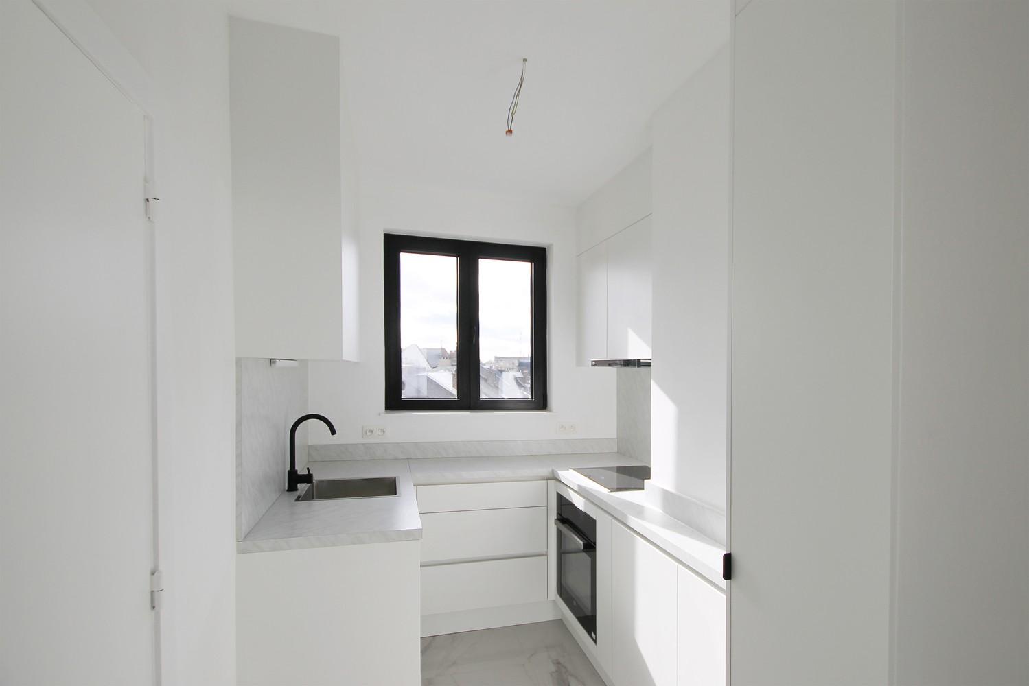 Gerenoveerd appartement (73 m²) met 2 slpks op centrale ligging te Borgerhout! afbeelding 3