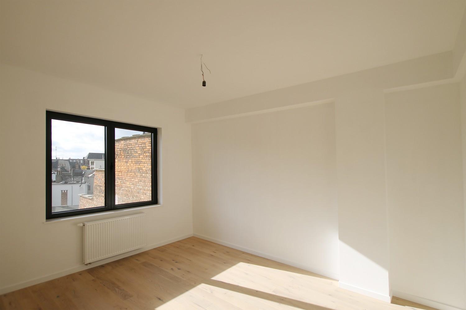 Gerenoveerd appartement (73 m²) met 2 slpks op centrale ligging te Borgerhout! afbeelding 4