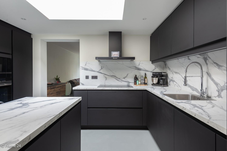 Prachtig gerenoveerde woning met 3 slaapkamers op een rustige locatie te Ekeren! afbeelding 11