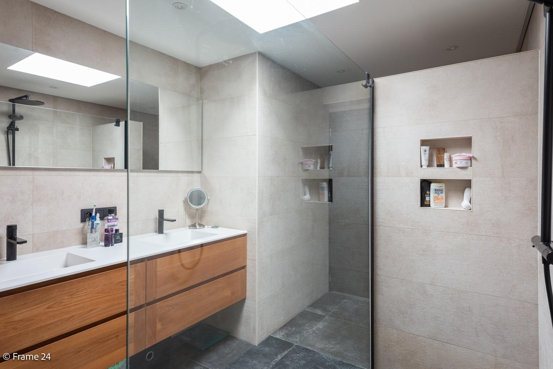 Prachtig gerenoveerde woning met 3 slaapkamers op een rustige locatie te Ekeren! afbeelding 15