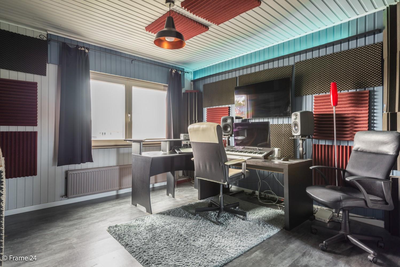 Prachtig gerenoveerde woning met 3 slaapkamers op een rustige locatie te Ekeren! afbeelding 20