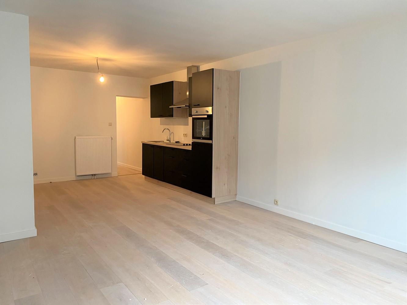 Volledig gerenoveerd appartement met 2 slk op centrale locatie in Borgerhout afbeelding 4