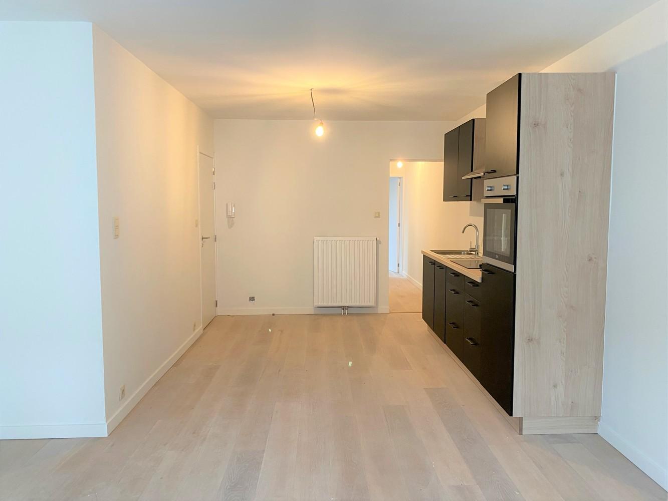 Volledig gerenoveerd appartement met 2 slk op centrale locatie in Borgerhout afbeelding 5