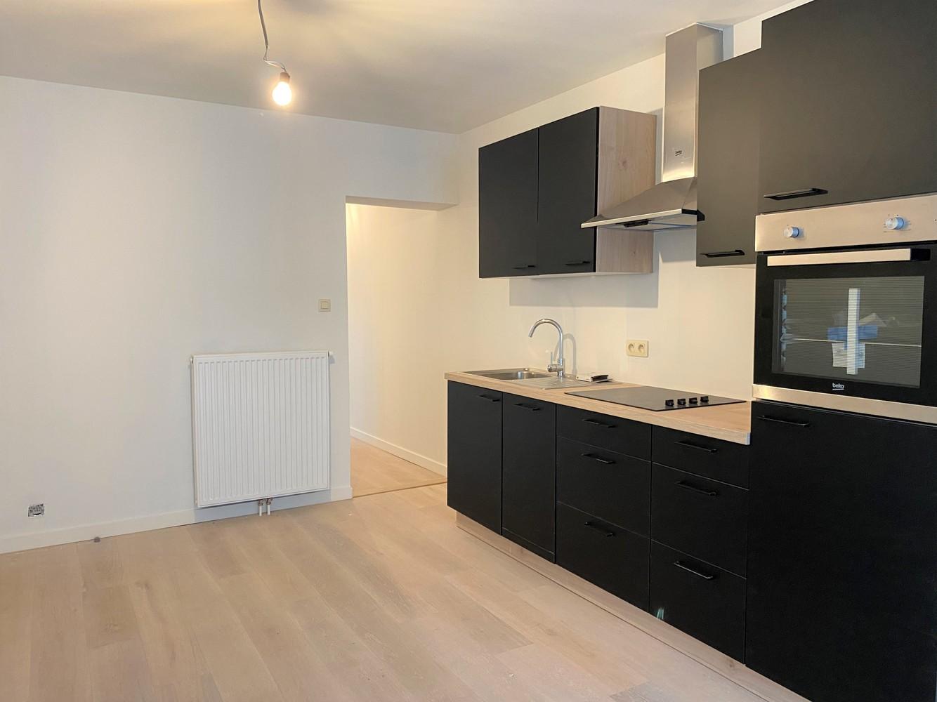 Volledig gerenoveerd appartement met 2 slk op centrale locatie in Borgerhout afbeelding 6