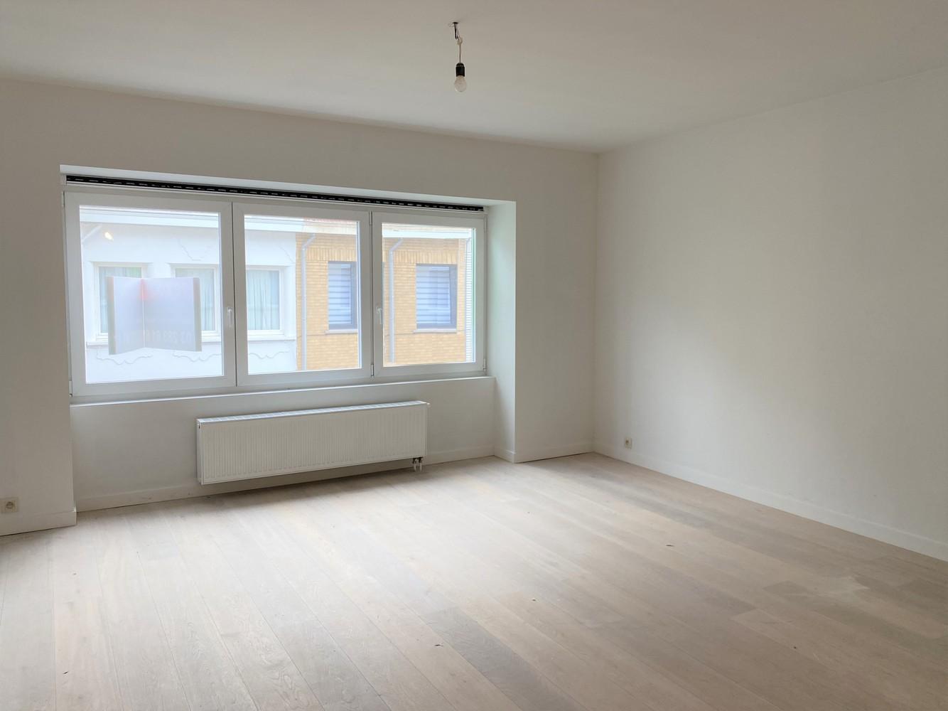 Volledig gerenoveerd appartement met 2 slk op centrale locatie in Borgerhout afbeelding 2
