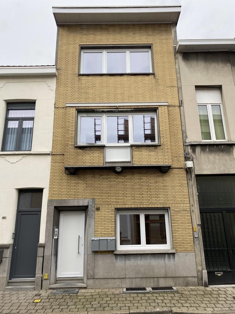 Volledig gerenoveerd appartement met 2 slk op centrale locatie in Borgerhout afbeelding 1