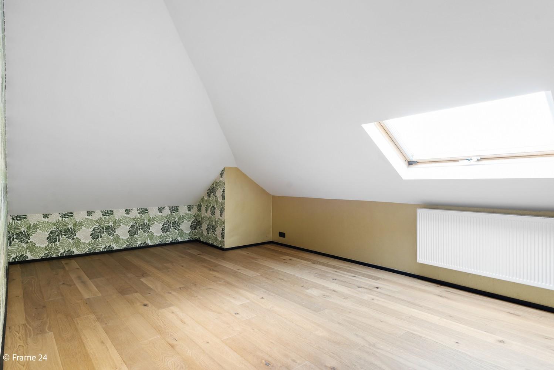 Vernieuwde villa met vijf slaapkamers en prachtige tuin op een perceel van 1.207 m² te Wijnegem! afbeelding 19