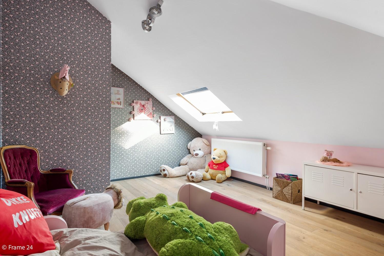 Vernieuwde villa met vijf slaapkamers en prachtige tuin op een perceel van 1.207 m² te Wijnegem! afbeelding 18